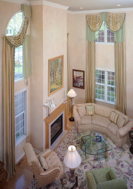 Designer: Linda Principe Interiors Photographer:  David Van Scott