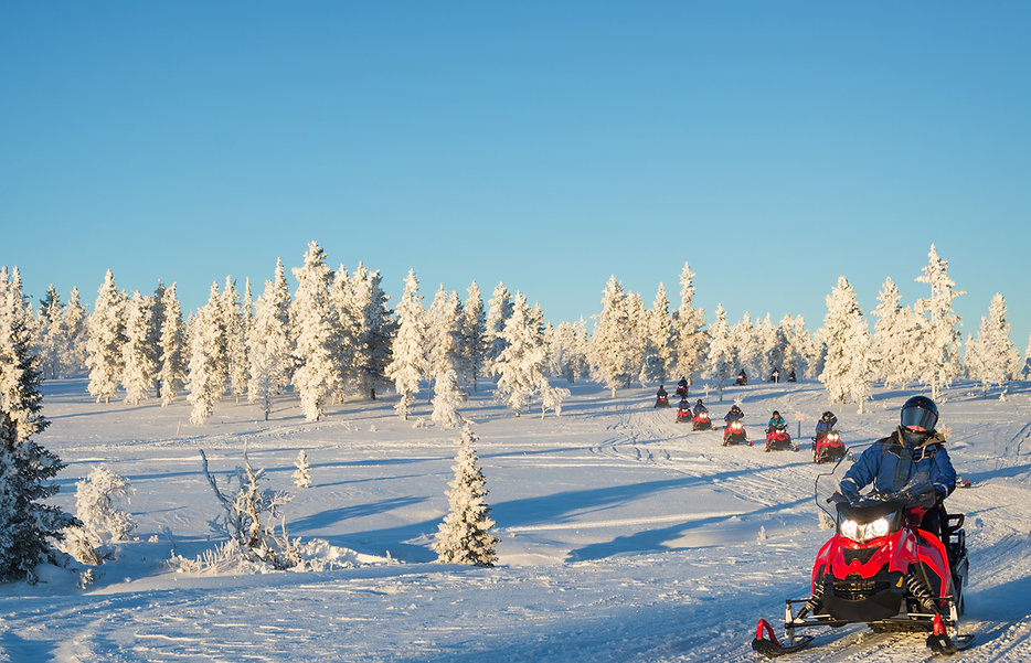 snowmobiling-northern-michigan-drummond-