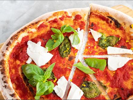 Knusprige Pizza in 45min
