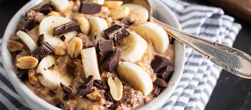 Erdnussbutter-Schokolade-Bananen Overnight Oats