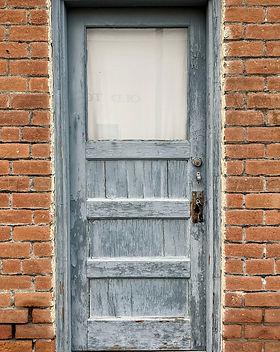 door-5869458_1920.jpeg