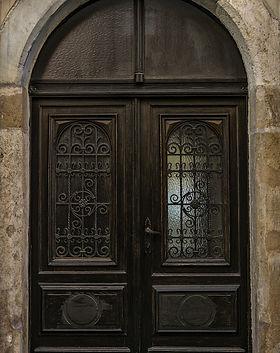 old-door-3328287_1920.jpg