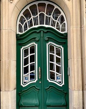 door-3760918_960_720.jpg