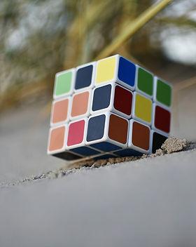 rubiks-cube-3732408_1920.jpg