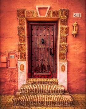 door-2711907_1920.jpg