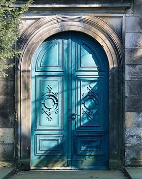 door-681835_1920.jpg