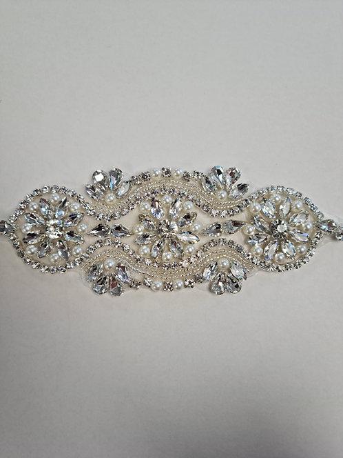 Diamante & Pearl Motif 16cm x 6cm