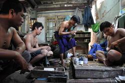 Batteur d'or, Mandalay, Birmanie