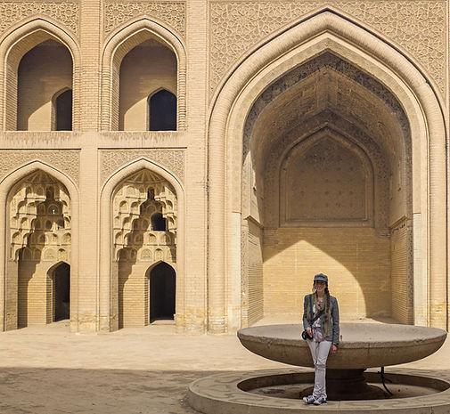 Lara-Scarlett Gervais au Palais Abasside à Bagdad en Irak. © Romain Rouffet