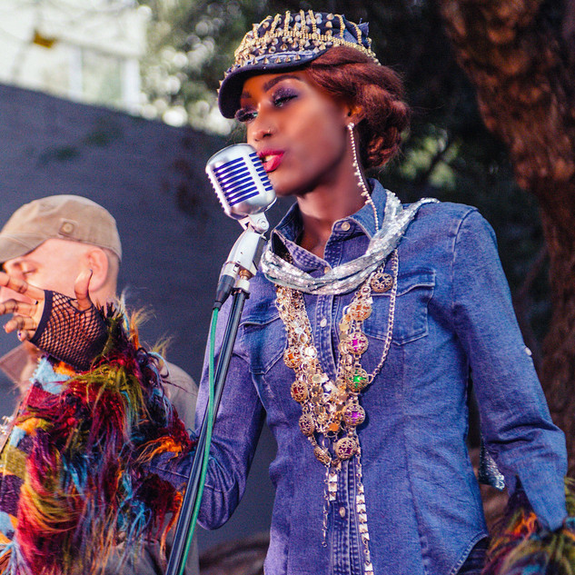 Liz Ogumbo DeniMani 42.jpg