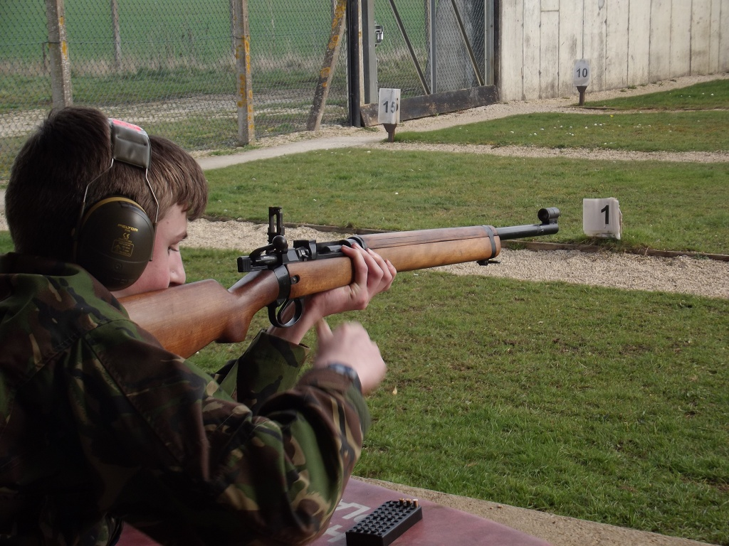 Shooting the No8 Rifle