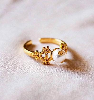 Talia Pearl Ring
