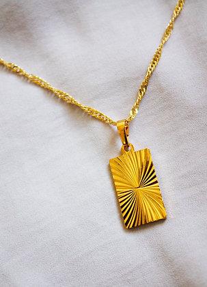 Cyra Pendant Necklace
