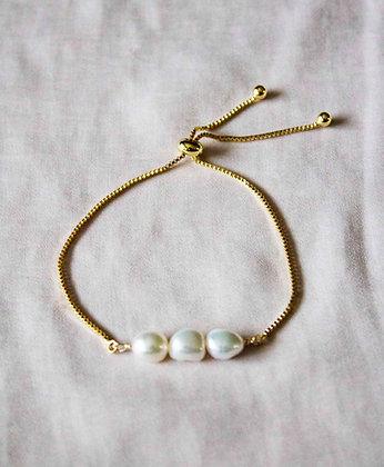 Aria Bracelet - In White
