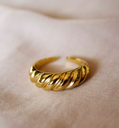 Harriet Gold Ring