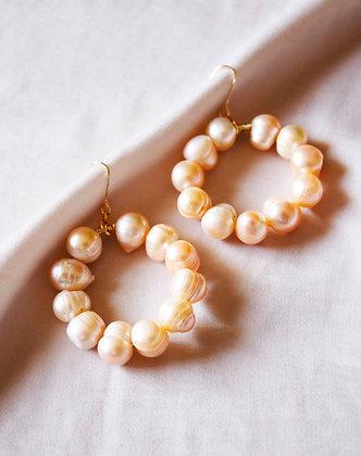 Aphrodite Pearl Earrings