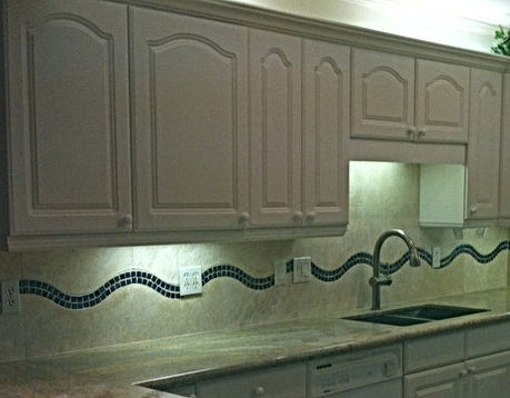 wave glass with Kashmir Gold Granite