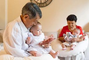 Großeltern_mit_Enkel_002.jpg