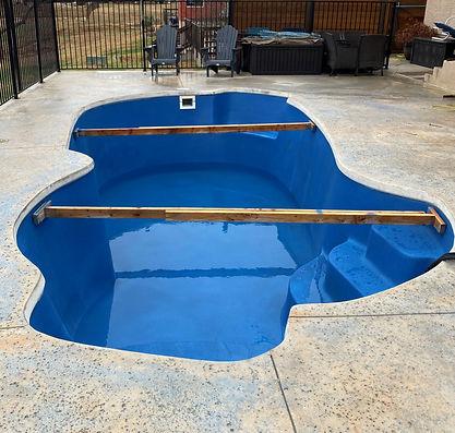 Coated Fiberglass Pool