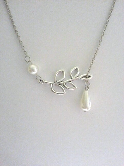 Open Leaf Silver Necklace