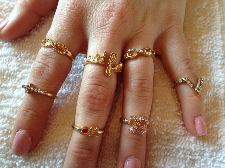 7pc Assorted Gold Ring Set