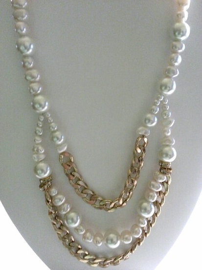 Pearl & Gold Necklace & Earring Set