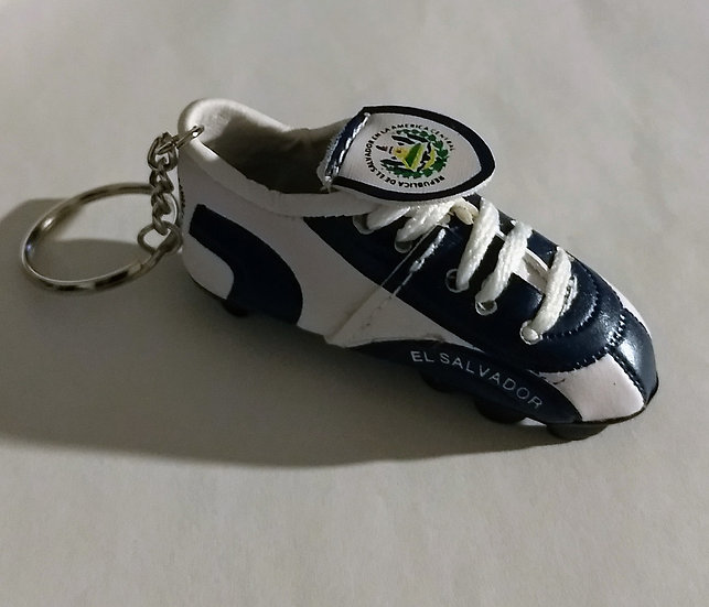 El Salvador Soccer Shoe Keychain