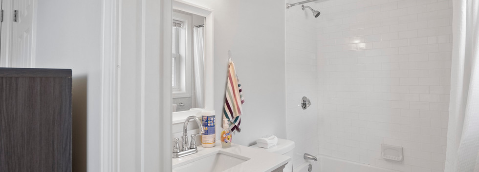 40_Governor_2_Bedroom_D_Private_Bathroom