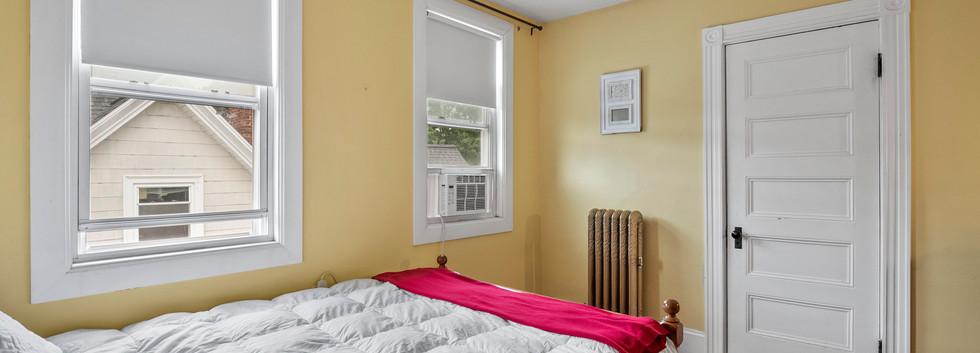 52_Chester_2_Bedroom_3-1_Photo2.jpg