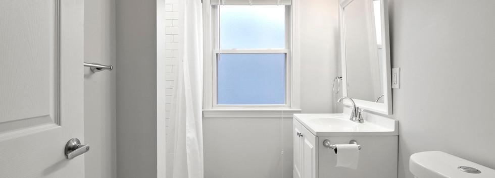 23_Washington_2_Bathroom1.JPG