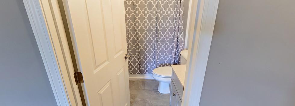 29_Creighton_3_bathroom1.jpg