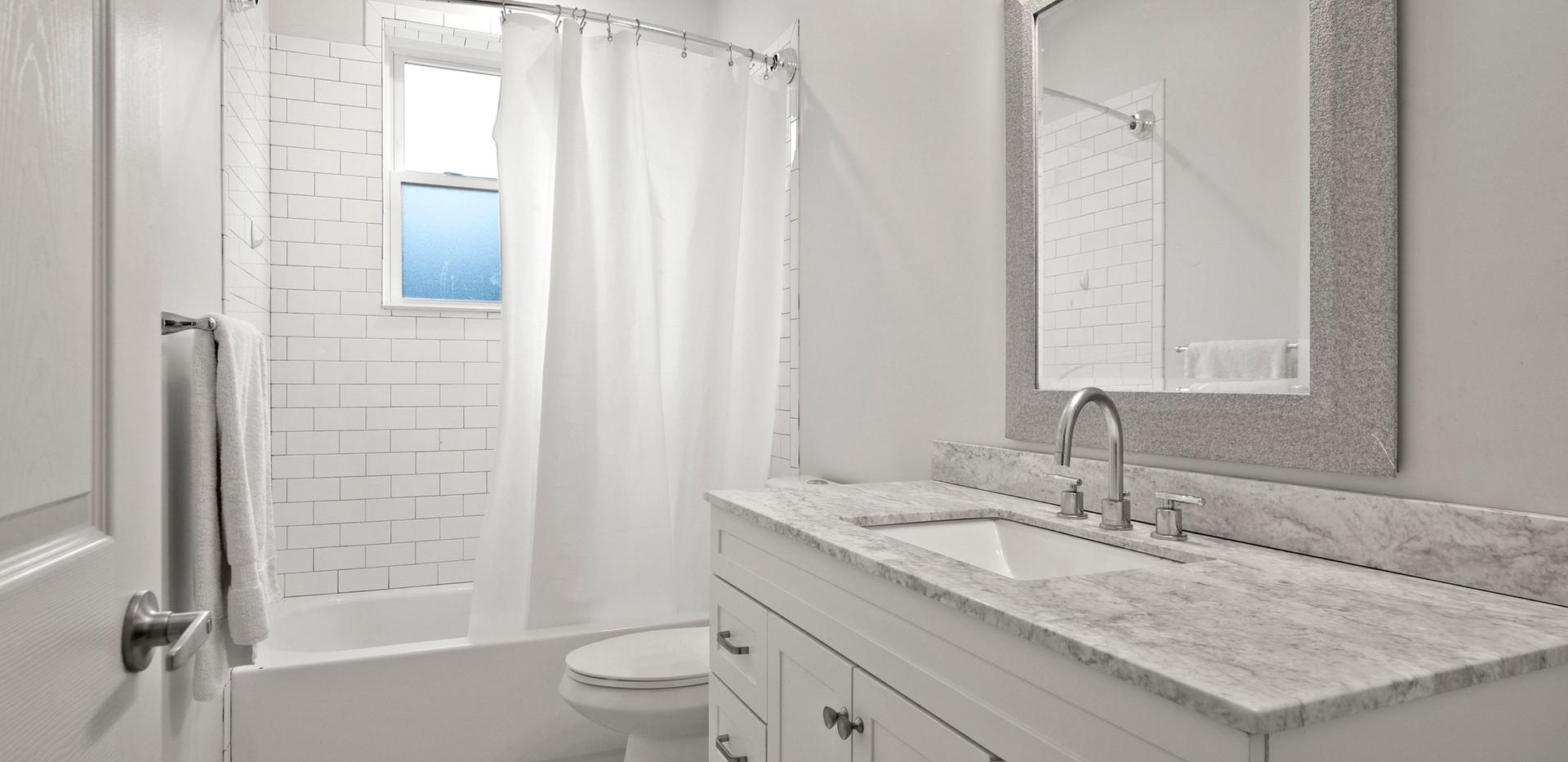 23_Washington_2_Bathroom2.JPG