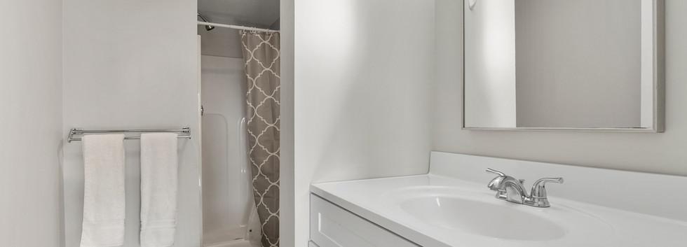 Olney_3_Bathroom1.JPG