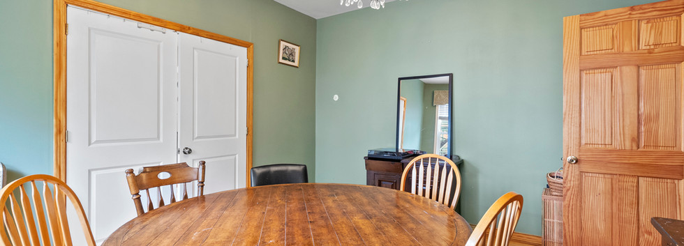 52_Chester_2_DiningRoom_Photo3.jpg