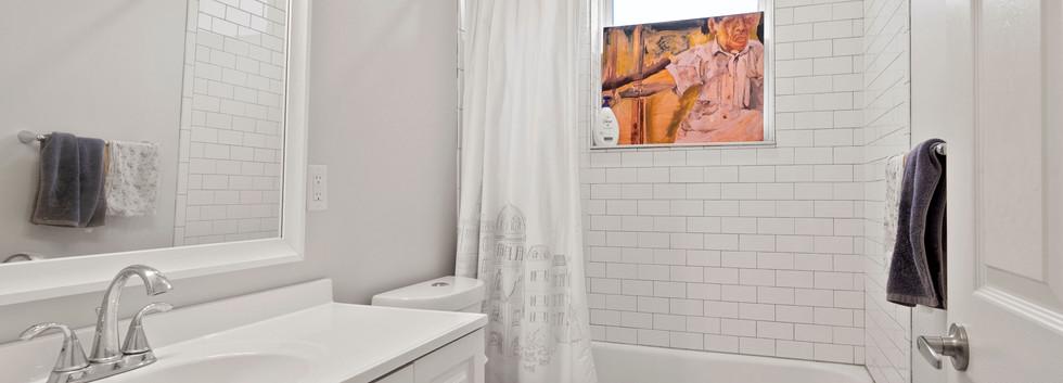 23_Washington_2_Bathroom3.JPG