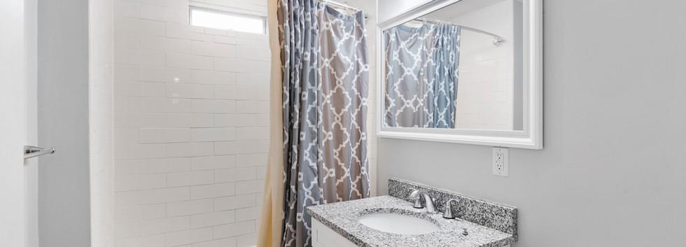139_Adams_Bathroom2.jpg
