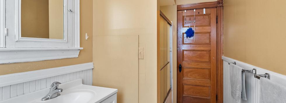 Bathroom @ 54 Chester Unit 1