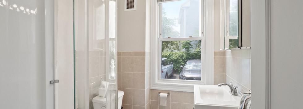 20_Governor_1_Bathroom.jpg
