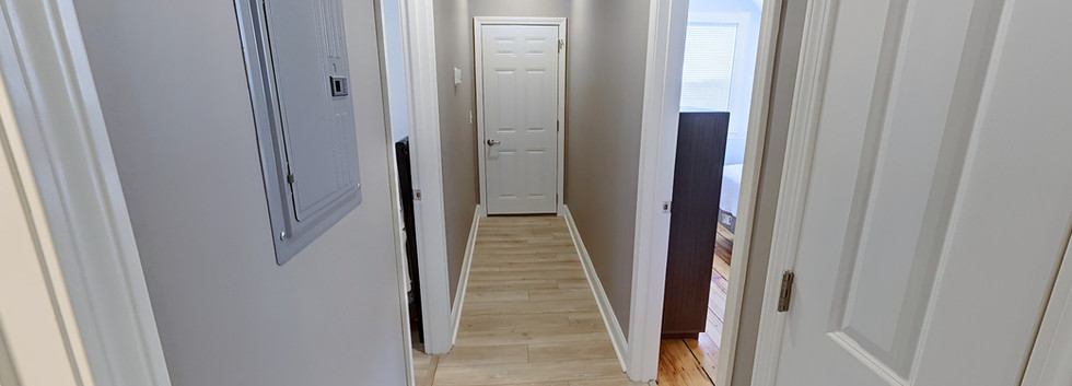 29_Creighton_3_hallway.jpg