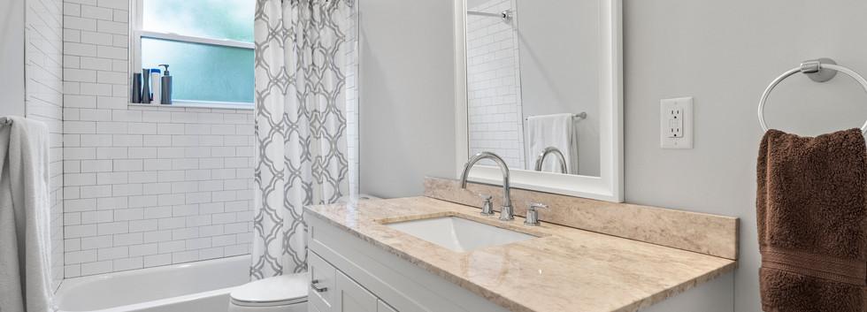23_Washington_1_Bathroom2.jpg