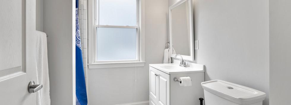 23_Washington_1_Bathroom1.jpg