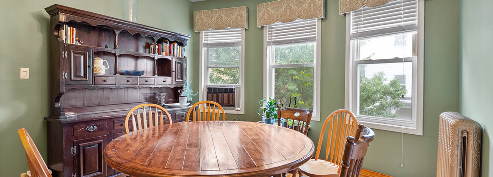 52_Chester_2_DiningRoom_Photo1.jpg