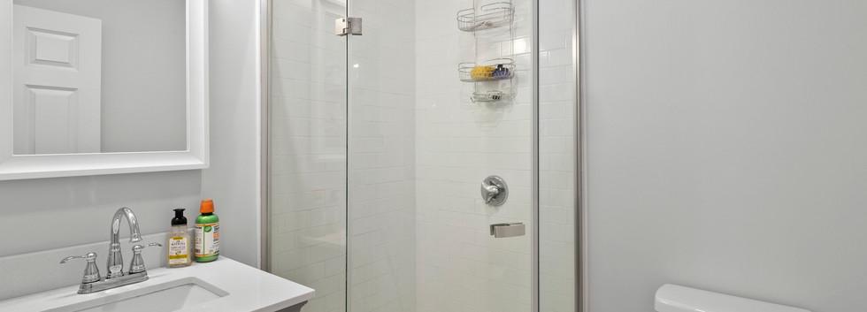 40_Governor_2_Bathroom1.JPG