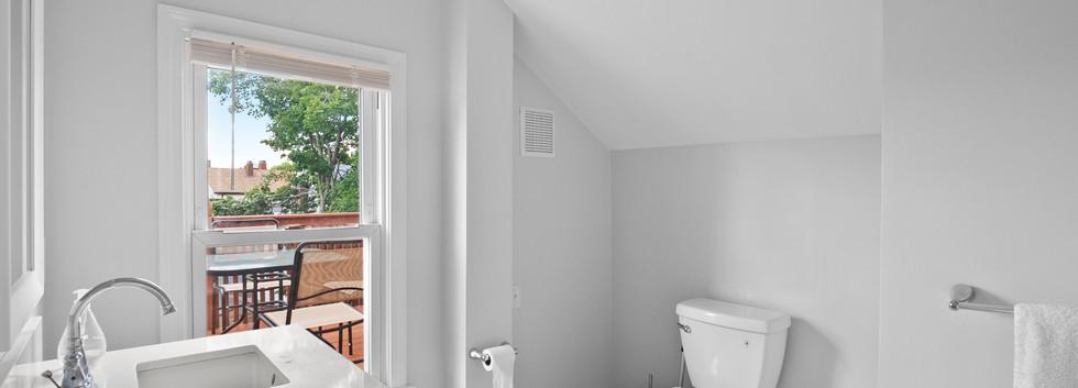 40_Governor_2_Bathroom2_Photo1.JPG