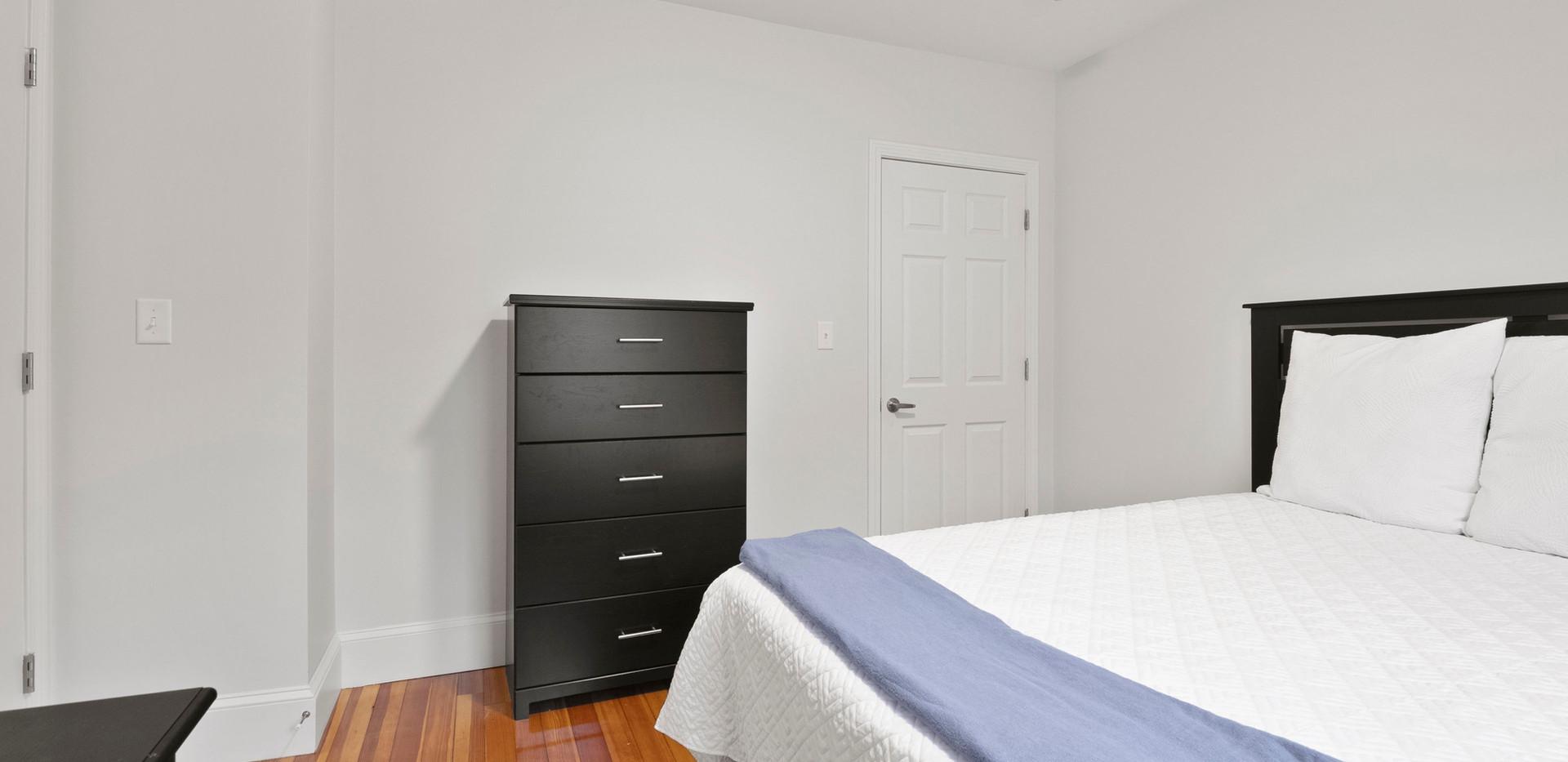 23_Washington_2_Bedroom_B_Photo3.JPG