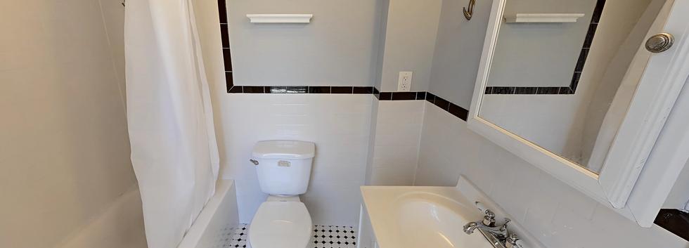 64_London_2_bathroom.png