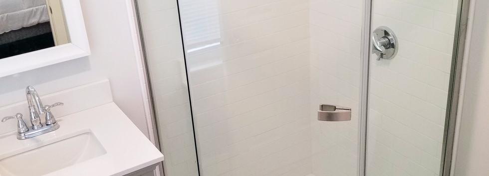 40_Governor_1_bathroom.jpg