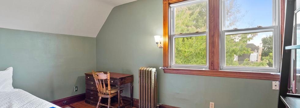 52_Chester_2_Bedroom_3-2_Photo3.jpg
