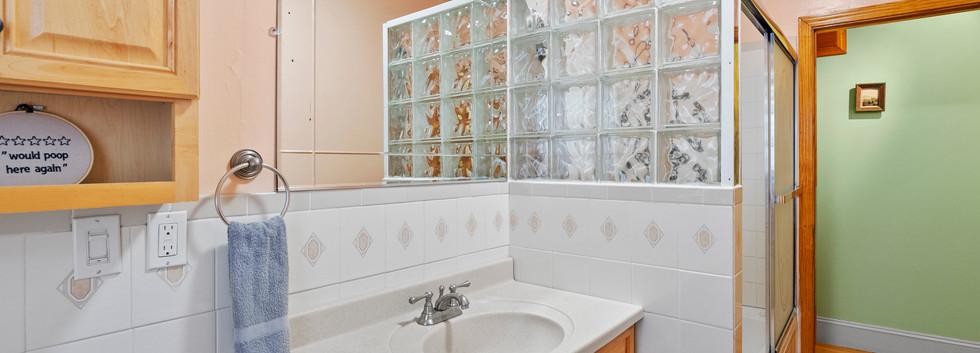 52_Chester_2_Bathroom1_Photo2.jpg
