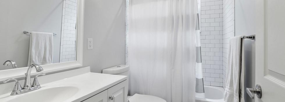 23_Washington_1_Bathroom3.jpg